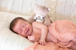 baby-lachen-teddy